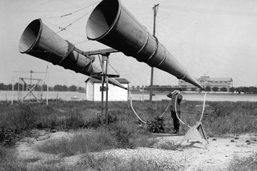 A two-horn system at Bolling Field, USA, 1921.